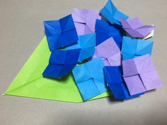紙 折り紙:折り紙 メダル 折り方 簡単-ikujino-chiebukuro.com